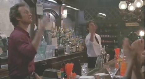 Damos un salto a finales de los 80 y nos encontramos con la versión espectáculo del oficio del barmen